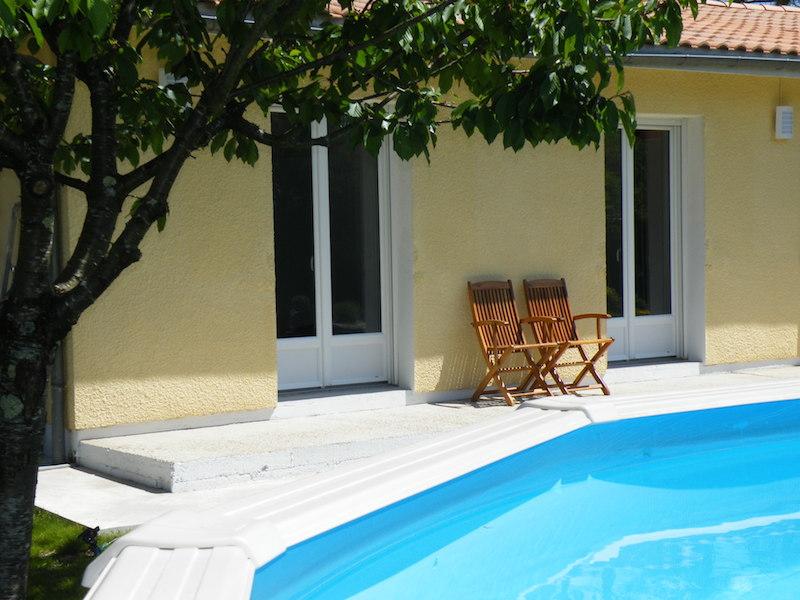mobilier pour piscine perfect vente mobilier de jardin. Black Bedroom Furniture Sets. Home Design Ideas